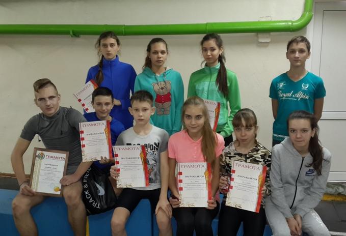 В Пугачёве состоялись соревнования по легкоатлетическому троеборью