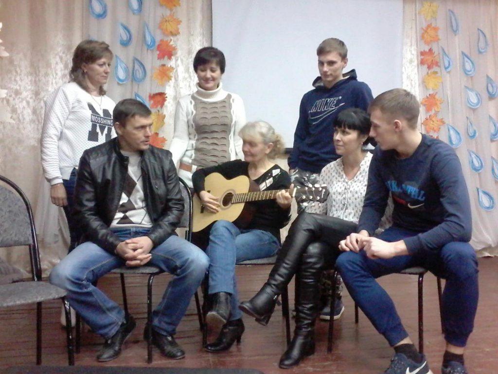 В ДК п. Заволжский звучали бардовские песни