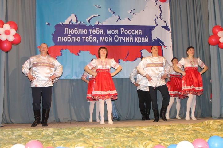 Состоялся юбилейный концерт Народного самодеятельного коллектива ансамбля народного танца «Колокольчик»