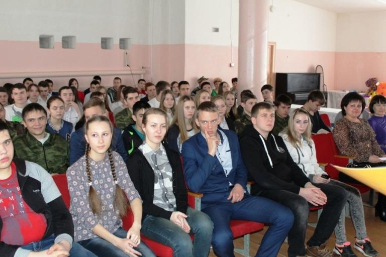Пугачевская молодёжь готовится к выборам