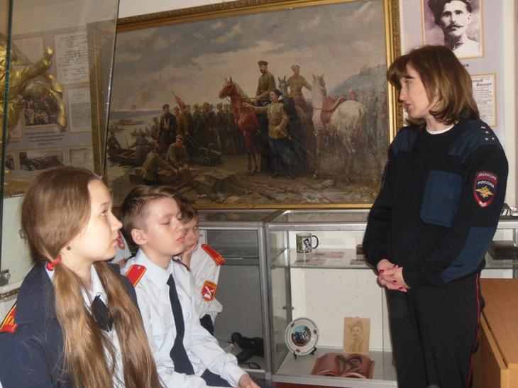 Пугачевским школьникам напомнили о правил поведения на дорогах