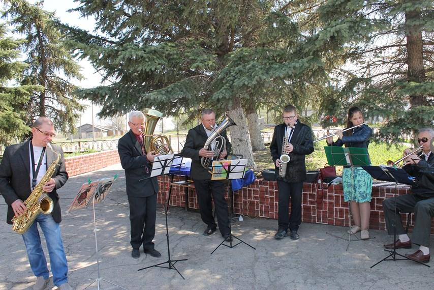 В селе Давыдовка прошла акция «Георгиевская ленточка»