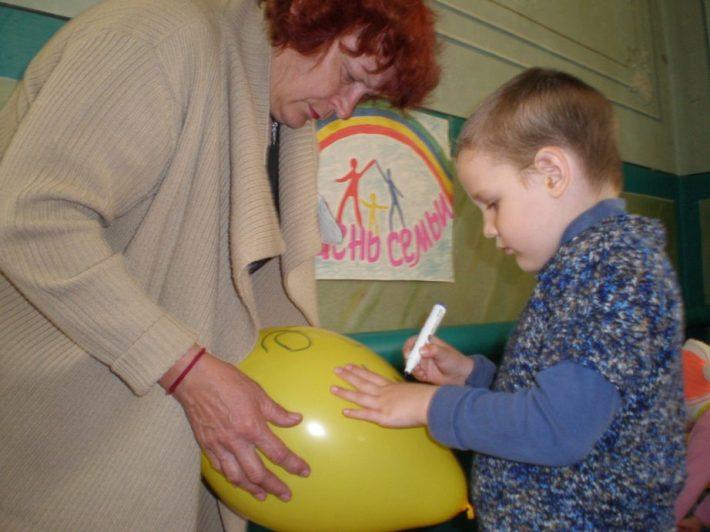 Бабушки и внуки стали участниками тематической программы