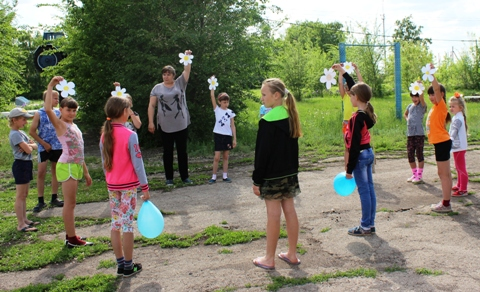 В Доме культуры села Рахмановка продолжается цикл мероприятий, посвящённых Году экологии