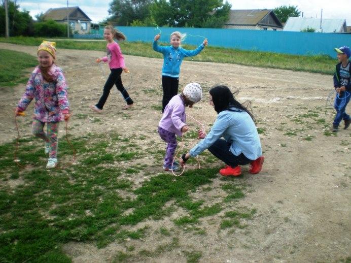 Дети в с.Жестянка отдыхают весело
