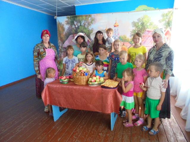 В Пугачевском районе праздновали «Яблочный Спас»