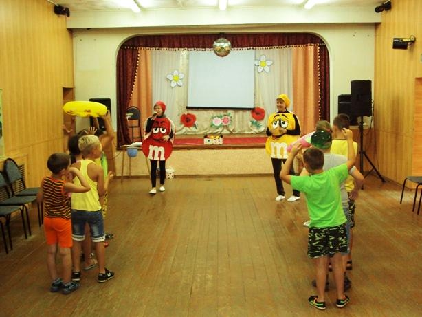 Школьников п. Заволжский пригласили на веселый праздник