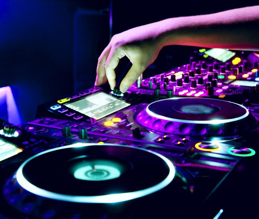 Приглашаем на праздничную дискотеку «ЗОЖ-PARTY»