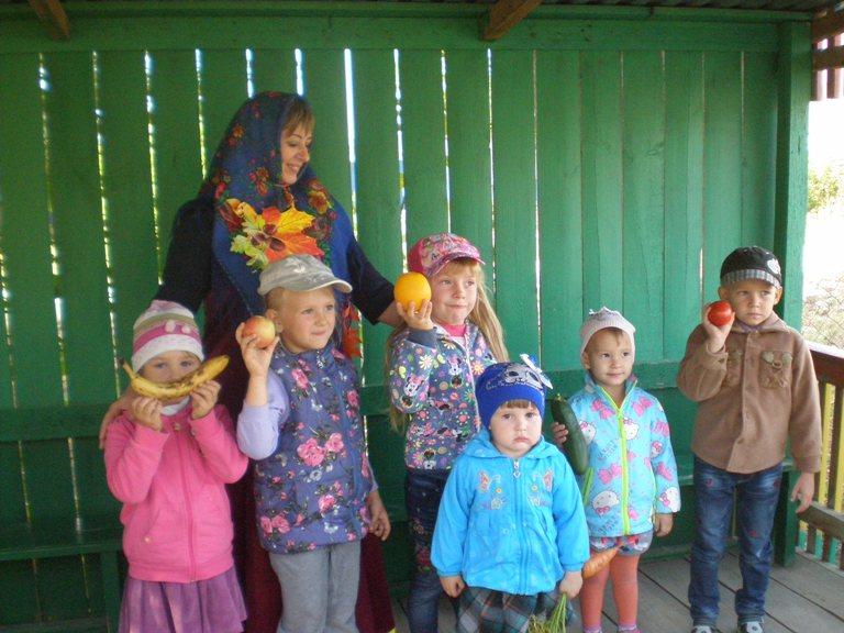 Воспитанники детского сада с.Жестянка собирали урожай