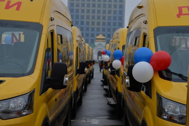 Две сельские школы получили автобусы