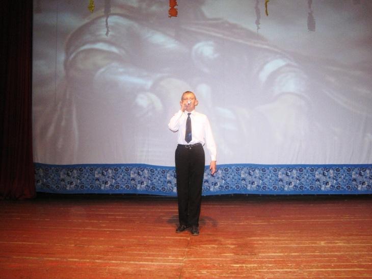 Жителям с. Березово подарили праздничный концерт