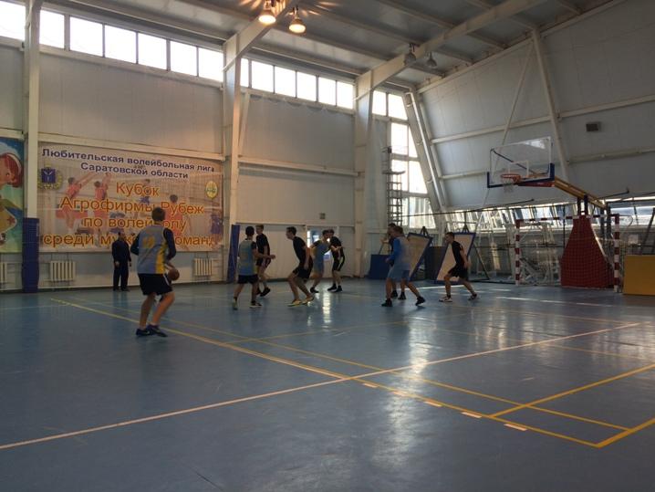 Завершение отборочного этапа школьной баскетбольной лиги