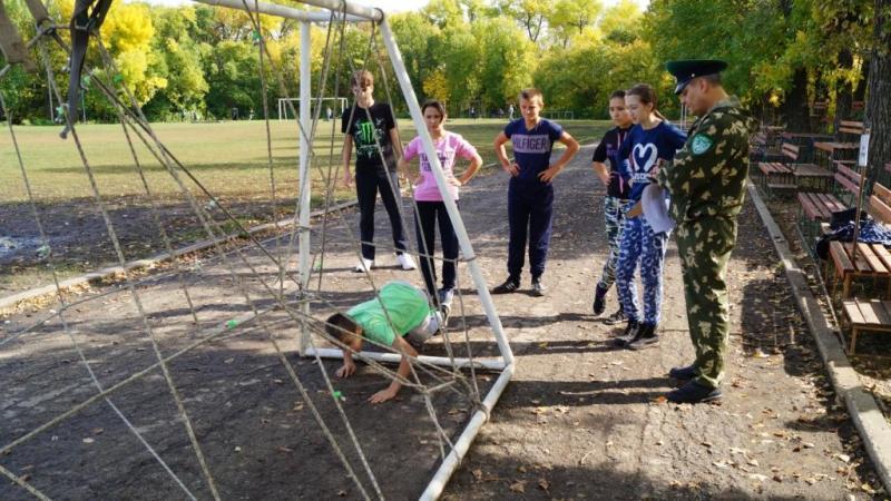 В Пугачеве прошла военно-спортивная игра «Защита-2016»