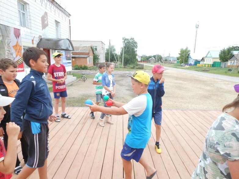Ромашковое лето в гостях у детей с.Давыдовка