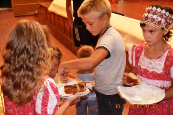 Жителям с.Березово предложили особый рецепт яблочного пирога