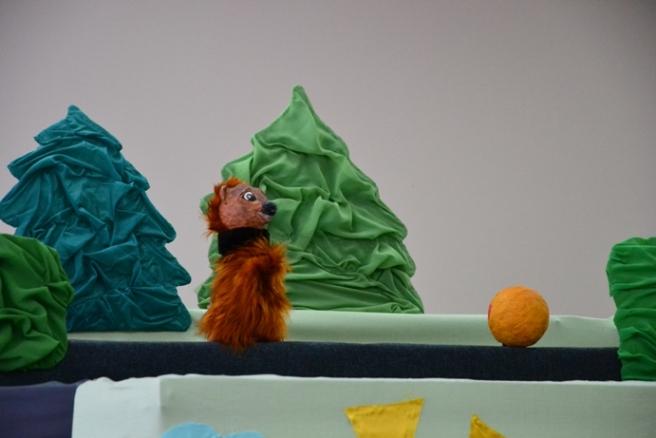 Пугачевским малышам показали спектакль