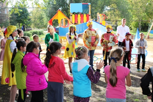 В Пугачеве установили детские площадки