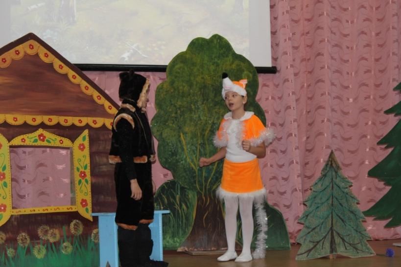 Школьники Пугачевского района соревновались в актерском мастерстве
