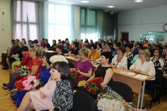 В Пугачеве стартовали конкурсы  «Учитель года-2017» и «Воспитатель года-2017»