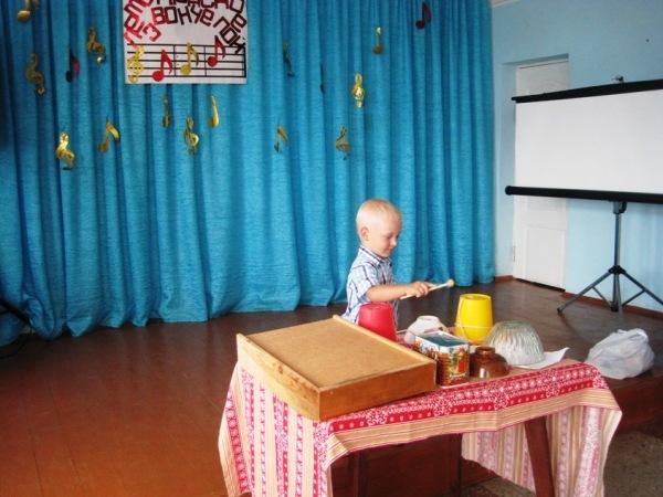 Взрослые и дети с.Успенка любят петь
