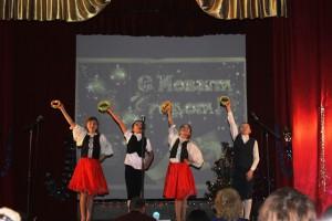 Творцы новогоднего настроения поздравили сельчан с Новым годом