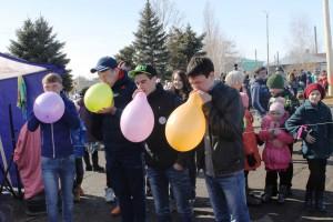 Игровую программу для детей провели работники ДК с.Надеждинка
