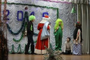 Новогоднее представление для детей в ДК с.Надеждинка