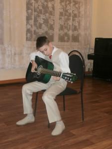 Юные гитаристы пригласили пугачевцев на творческий вечер