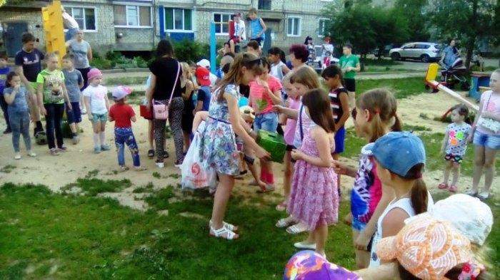 Жители Пугачёва приняли участие в акции «Международный день соседей»